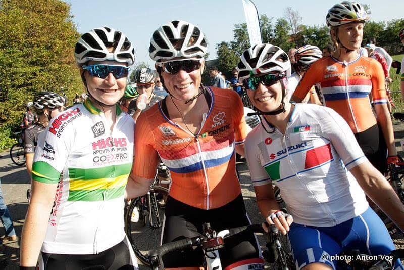 Lauren, Kirsten and Tatiana in Italy Photo: Anton Vos